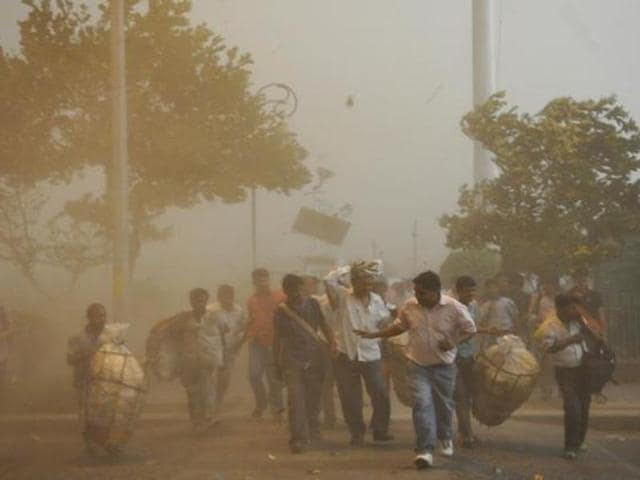 dust storms,weather,Chandigarh