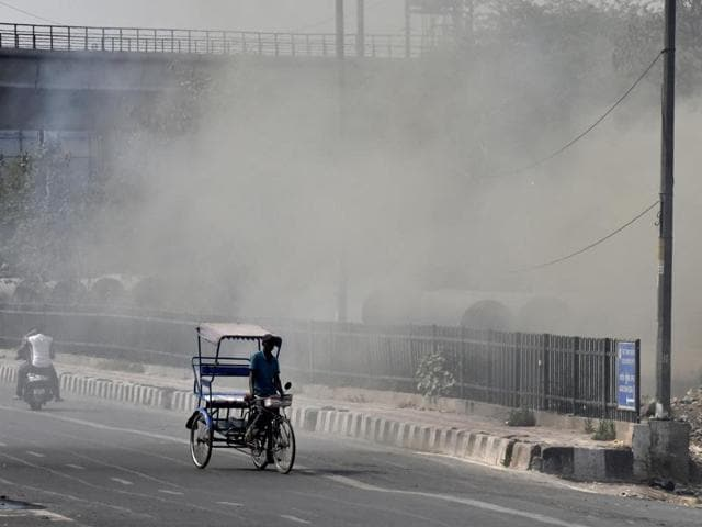 Air quality in Delhi and National Capital Region (NCR) worsened on Tuesday as the real-time air quality map recorded high levels of pollution.(Raj K Raj/HT File Photo)
