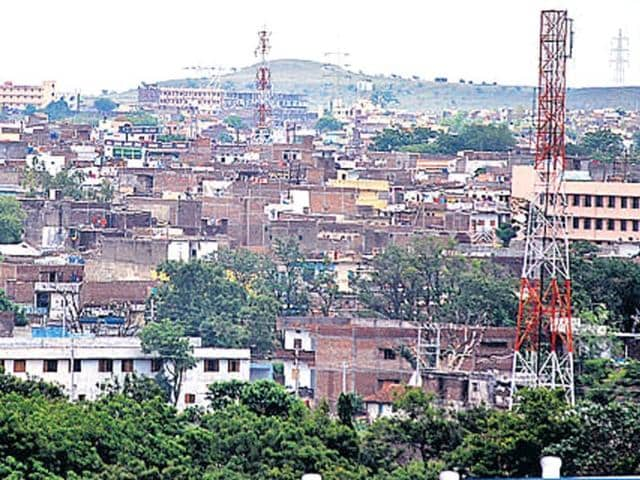 The smart city, in the vicinity of industrial units, will be a self-sustained township with modern infrastructure.