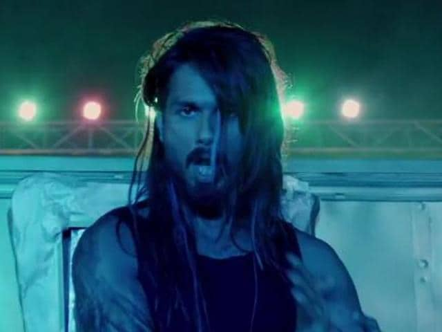 Shahid Kapoor in a still from Chitta Ve, an Udta Punjab song.