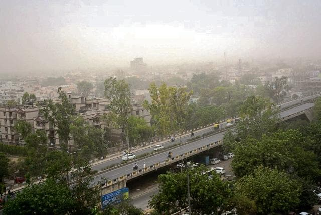 There was a dust storm accompanied by scattered rainfall in Noida and Ghaziabad region on Wednesday.