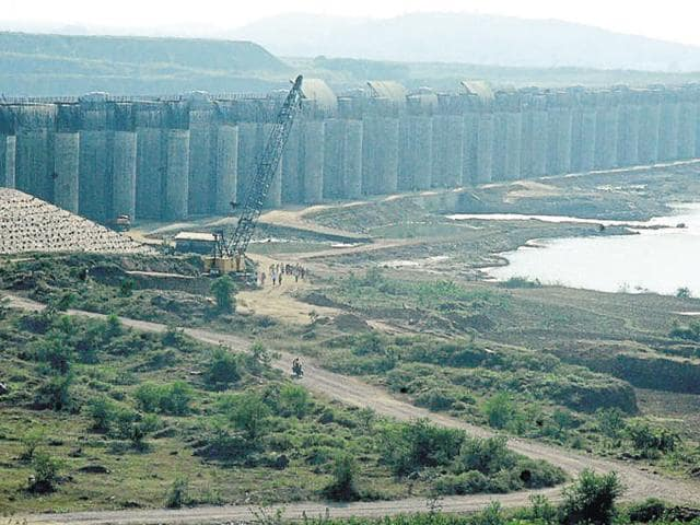 The Centre has agreed to fund Rs7,189 crore for the completion of 132 incomplete projects from 14 Marathwada and Vidarbha districts.