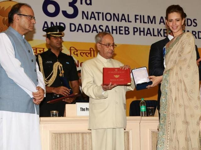 Kalki Koechlin receives the special jury award for Margarita with a Straw from President Pranab Mukherjee in New Delhi.