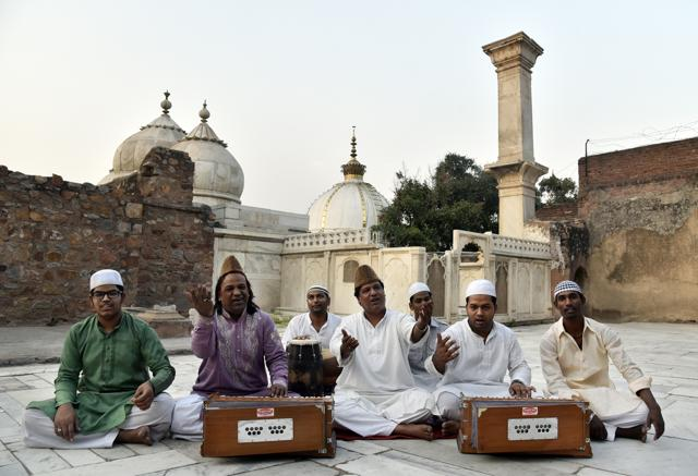 Qawwals pitch for traditional Sufi music at dargahs