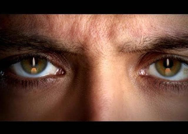 Hrithik  Roshan unveiled the first look of his next, Kaabil,  that also stars Yami Gautam.