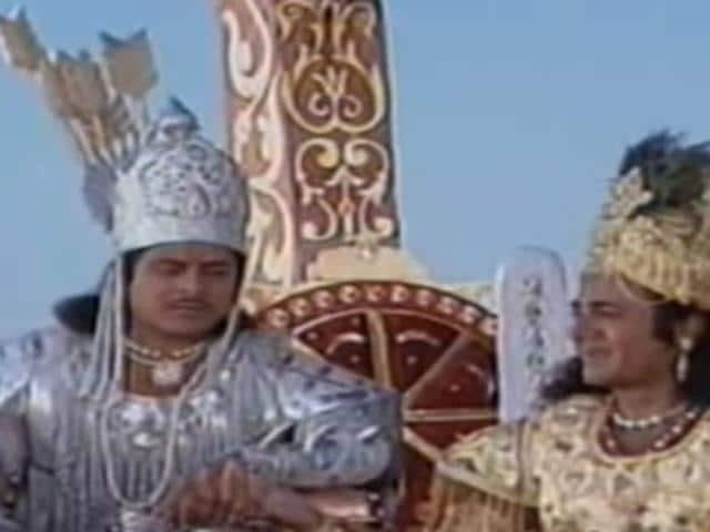 Arjun Firoz Khan and Nitish Bhardwaj in a still from Mahabharat.