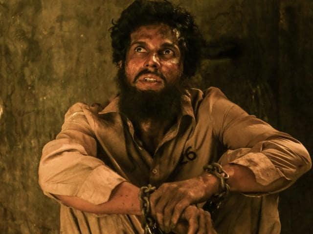 Randeep Hooda plays an Indian convict languishing in a Pakistan jail in Sarbjit,