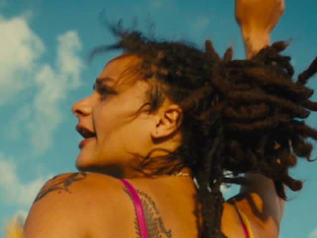 American Honey is directed by British filmmaker Andrea Arnold and stars newcomerSasha Lane and Shia Labeouf.
