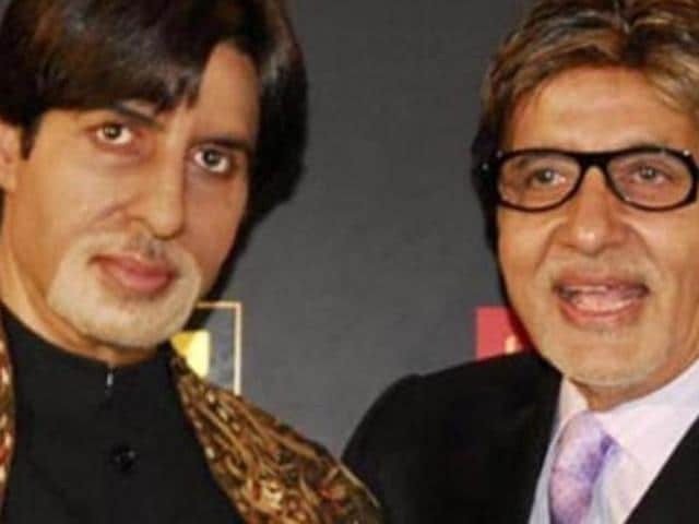 Amitabh Bachchan poses with his wax statue at Madame Tussauds' museum. (AFP)