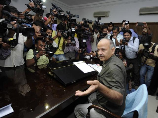 Delhi education minister Manish Sisodia asked principals to be 'critical' while giving their feedback about ways to improve teaching methods in schools.