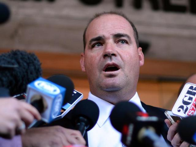 Pakistan has  appointed South African Mickey Arthur as head coach of their national cricket team, replacing Waqar Younis who resigned after a disastrous World Twenty20 last month.