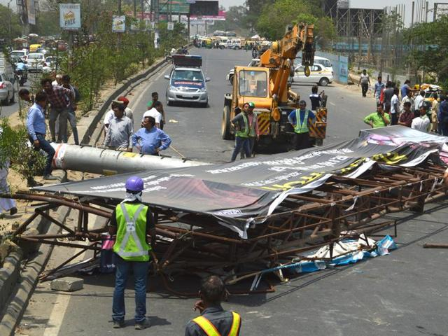 The unipole had collapsed on the main GT Road near river Hindon on Thursday, injuring four persons and crushing three vehicles.
