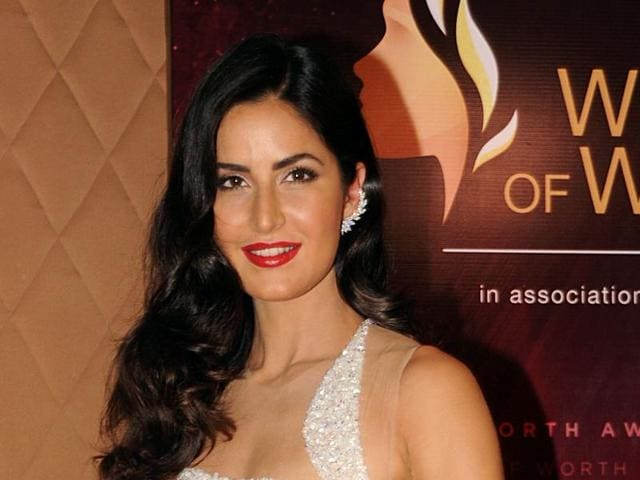 Indian Bollywood actress Katrina Kaif poses for a photograph during the Women of Worth Awards in Mumbai on late March 28, 2016. / AFP PHOTO / STR