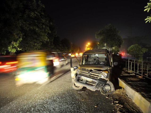 Watch: Fight breaks out near Gurgaon club after accident