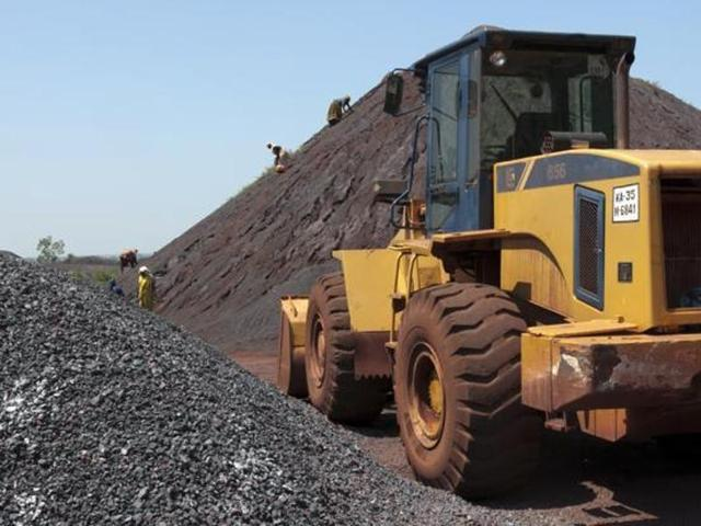 A Supreme Court-appointed panel has recommended replacing the current e-auction of iron ore mining in Karnataka with an alternative system.