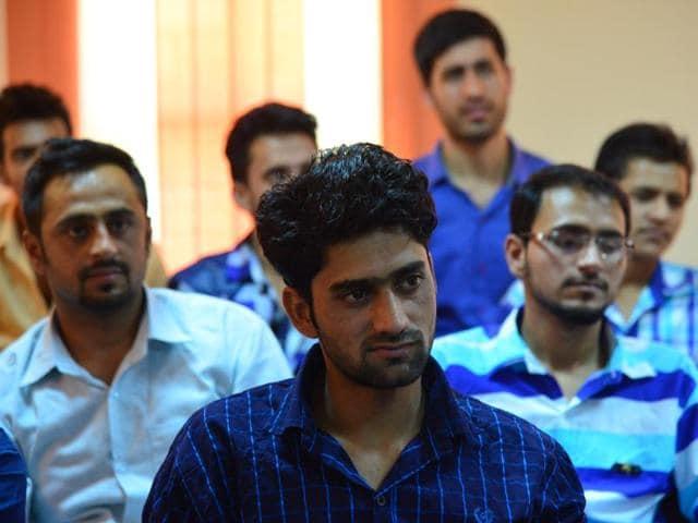 Kashmiri students,Higher education in Kashmir,Naeem Akhtar