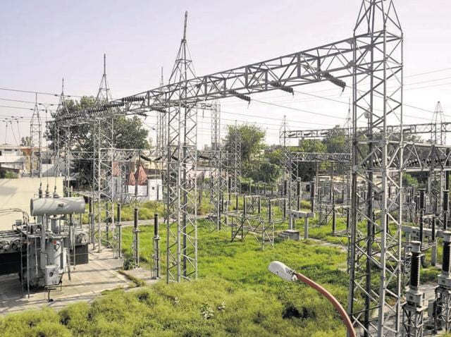 The two discoms in Delhi owe the NTPC Rs 1,3000 crore.