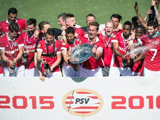PSV Eindhoven celebrate after winning the Dutch league title in Zwolle, Netherlands, on May 8, 2016.