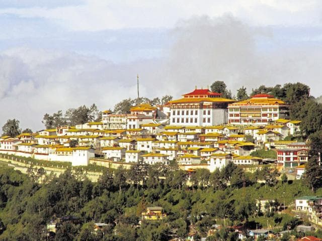 The Tawang monastery is now at the centre of a controversy that seems to have pitted its abbot against a senior monk.(Rahul Karmakar/HT Photo)