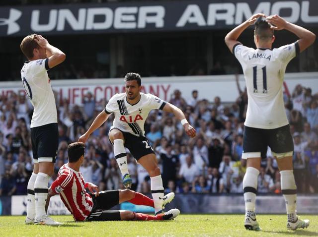 Steven Davis celebrates scoring the first goal for Southampton.