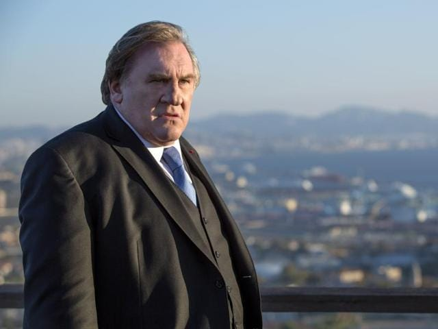 Robert Taro as played by Gerard Depardieu is no Frank Underwood from House of Cards.
