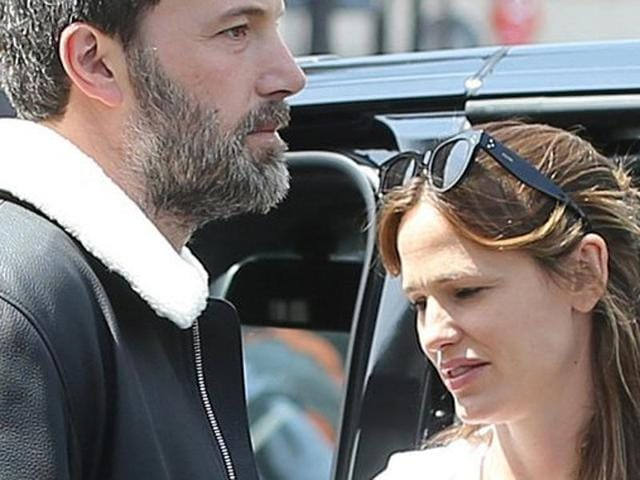 Family vacations are routine for Ben Affleck and Jennifer Garner and nothing has changed, a source told PEOPLE.