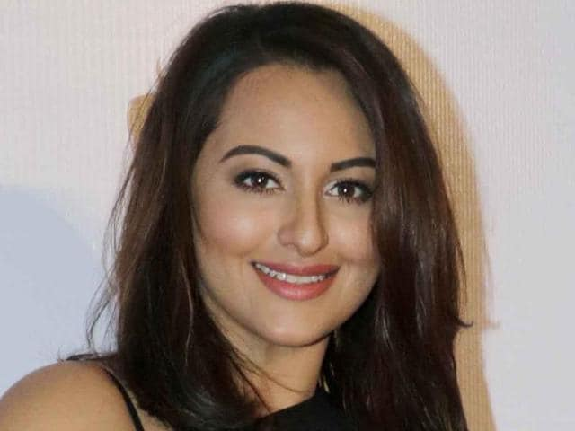 Sonakshi Sinha who enjoys painting in her free time, has auctioned her artwork to raise money for breast cancer patients.