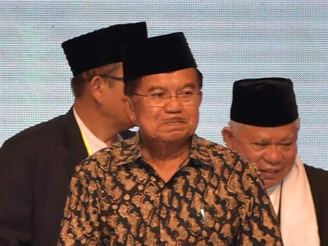 Indonesian vice-president Jusuf Kalla (centre) attends the International Summit of Moderate Islamic Leaders in Jakarta on Monday.