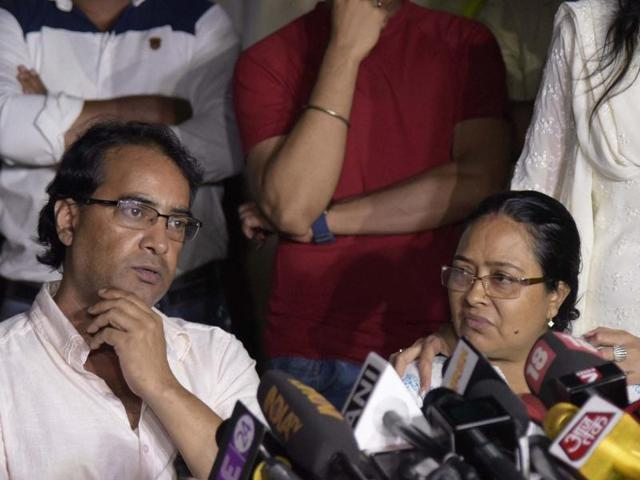 Pratyusha Banerjee's parents, Soma and Shankar Banerjee, address a press conference in Mumbai..