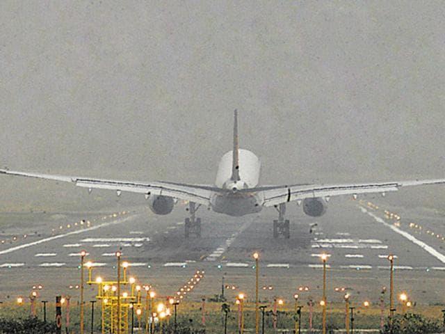 Delhi-Kochi Air India flight,Air India flight makes emergency landing in Bhopal,Bhopal