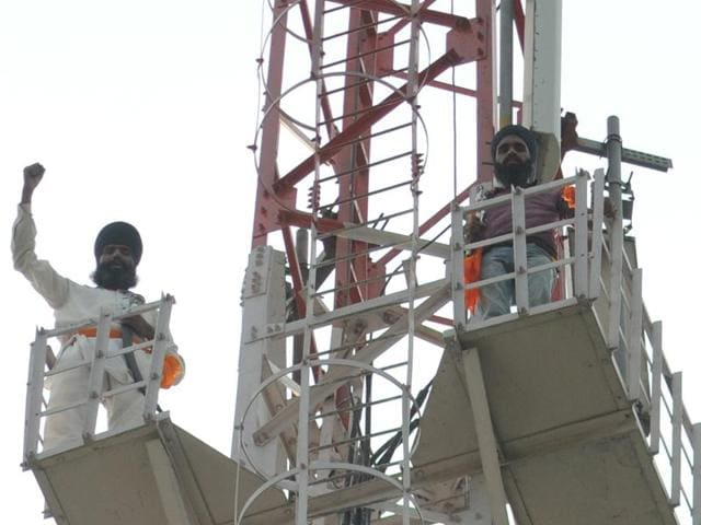 Earlier in the day, supporters of Mand climbed up various mobile towers in Patiala district, demanding his release.