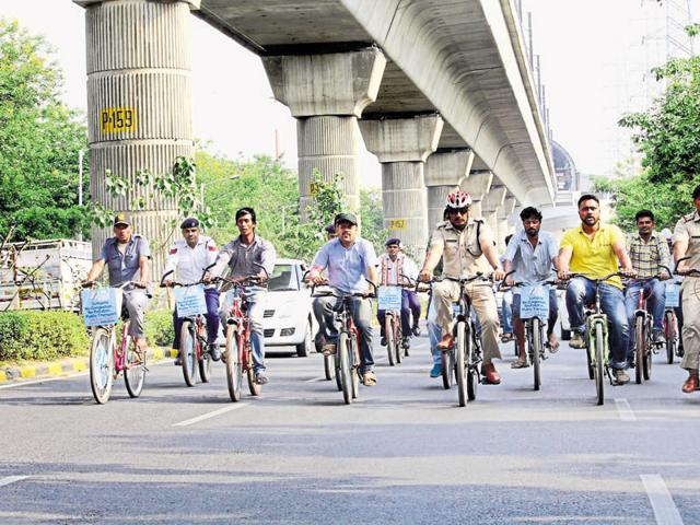 A team of the Gurgaon police also cycled from Huda City Centre to the Iffco Chowk metro police station.