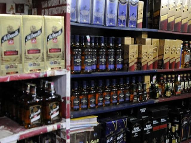 Manufacture, sale and consumption of alcohol is prohibited within the boundaries of Gujarat. (HT photo)