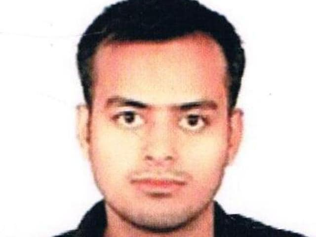 25-year-old Karan Satyarthi from Dhanbad secured the 9th rank in the UPSC exams.