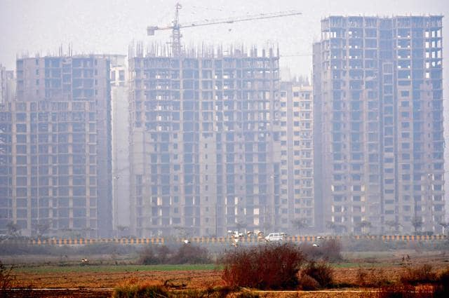 Uttar Pradesh Pollution Control Board also directed the Noida authority to take strict action against developers and builders who are not following dust control norms.