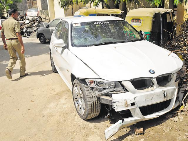 BMW,Noida accident,Hit and run