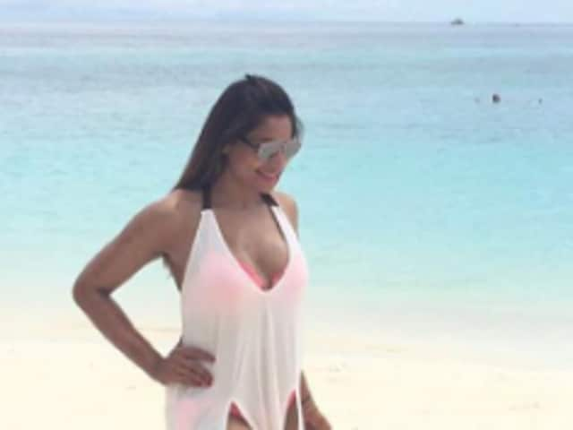 Bipasha Basu is a goddess and husband Karan Singh Grover knows it. The couple is honeymooning in Maldives and the pictures from there are just dreamy.