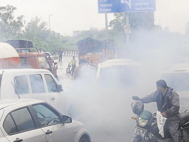 Traffic crawled in the national capital during odd-even 2.0, as lakhs of private as well as CNG vehicles plied on the roads, a Delhi government panel said in its report.