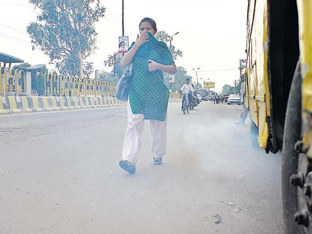 The Central Pollution Control Board's report on the air quality index of various cities across India highlights that conditions in Lucknow not only turned bad during 2015-16, but also went beyond the 'safe limits'.