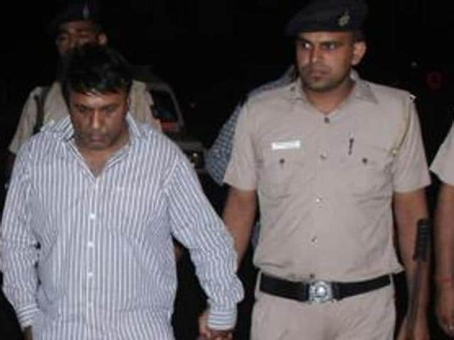 Sect-17 theft,Jewellery robbery,planned theft