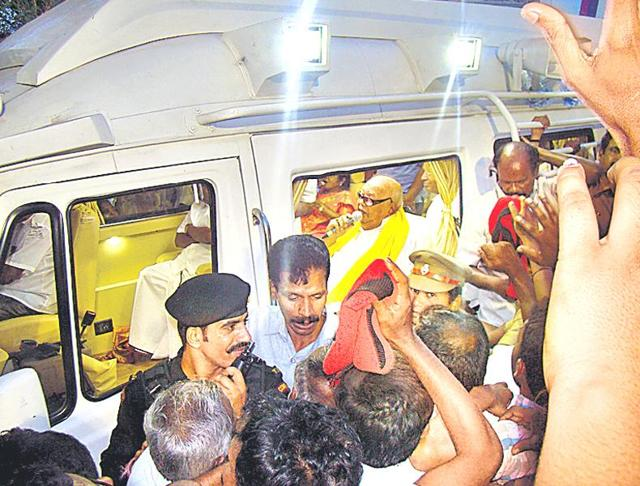 M Karunanidhi campaigns in his native town of Tiruvarur on Wednesday seeking re-election from the constituency.