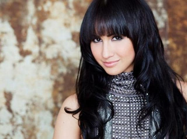 Actor Lauren Gottlieb feels it is important to learn Hindi from someone who has mastered the language.