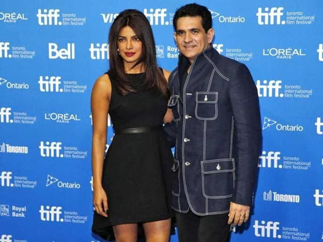Priyanka Chopra and Omung Kumar promoting Mary Kom in Mumbai. (HT Photo)