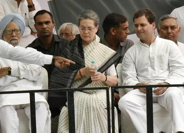 Congress president Sonia Gandhi, vice president Rahul Gandhi along with other senior congress leader at a rally in New Delhi  on Friday, May 6, 2016.
