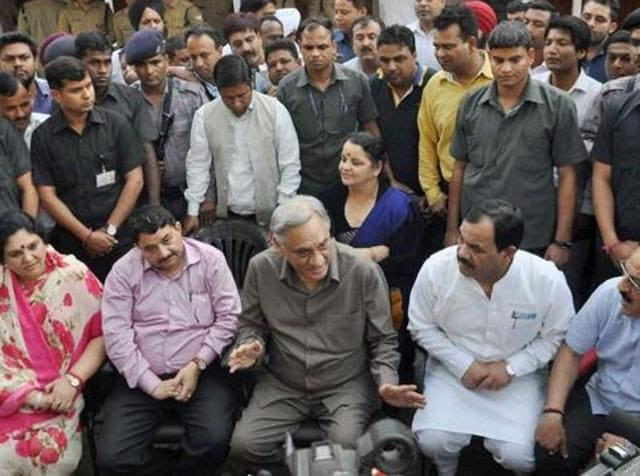 Rebel Congress MLAs led by former chief minister Vijay Bahuguna interact with journalists in Dehradun.