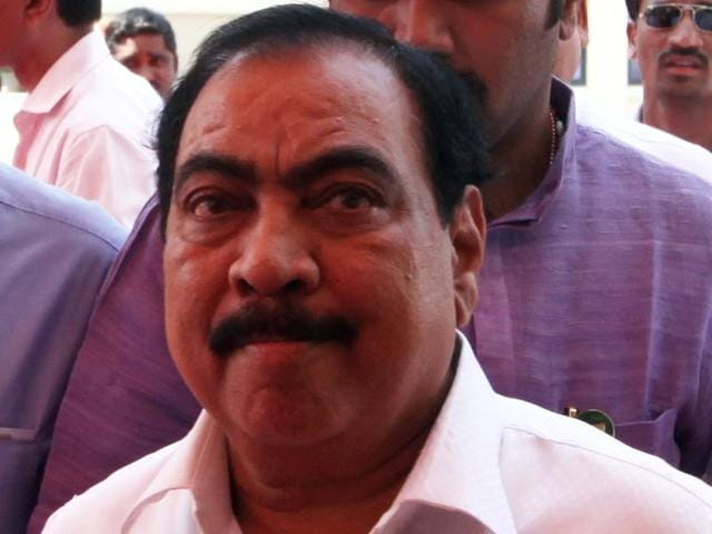After the arrest of a man claiming to be his personal assistant, Maharashtra revenue minister Eknath Khadse  has distanced himself from the controversy.