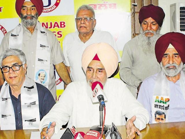 Aam Aadmi Party state convener Sucha Singh Chhotepur addressing a press conference in Jalandhar on Friday.