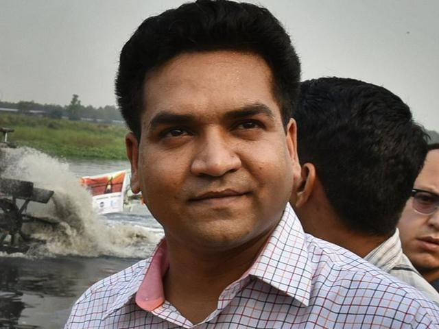 Delhi culture minister Kapil Mishra has complained to the Delhi Police commissioner that members of the Rashtriya Swayamsewak Sangh (RSS) allegedly intimidated artists commissioned by the government.