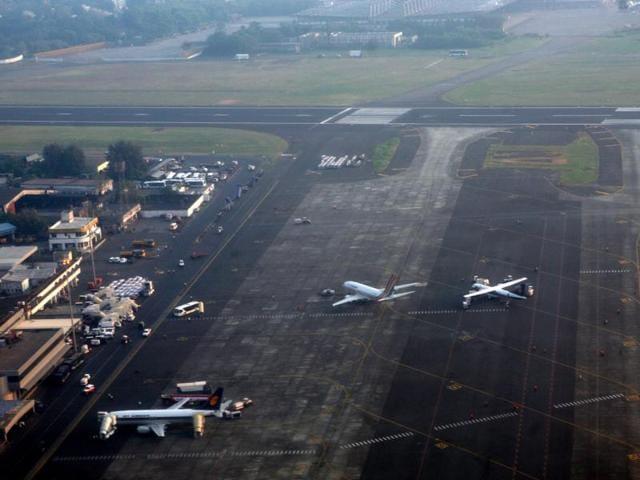 Mumbai airport,Lufthansa,tarmac