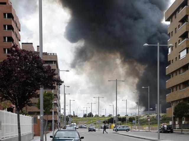Spain,Tyre dump fire,Toxic smoke